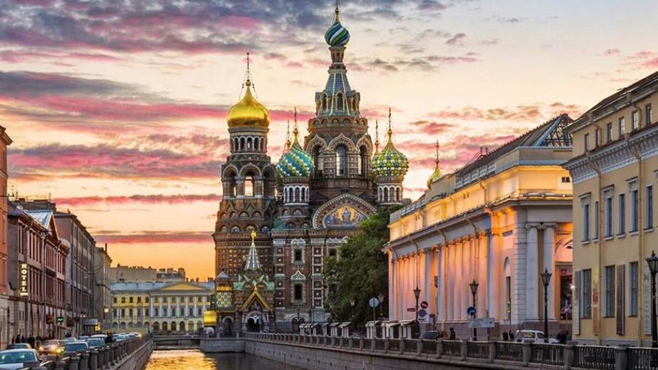 sankt-peterburg i moskva