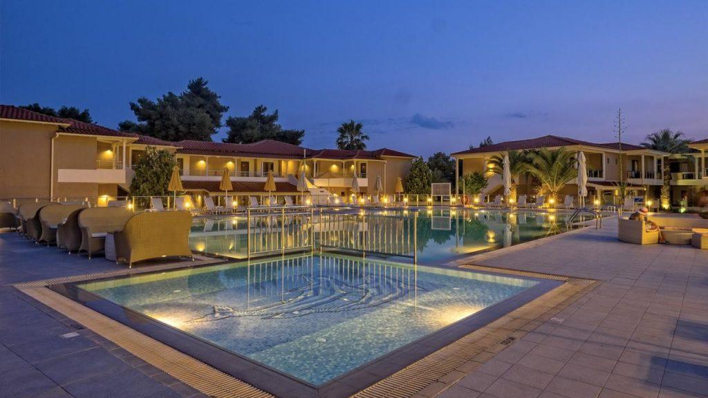 lagomandra-beach-suites-hotel