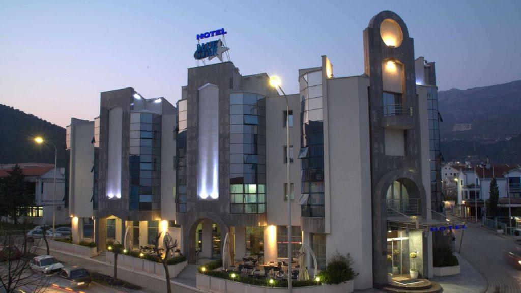 hotel-blue-star
