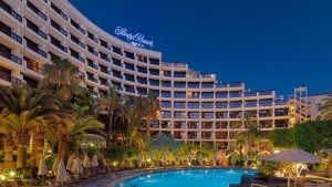 seaside-sandy-beach-hotel