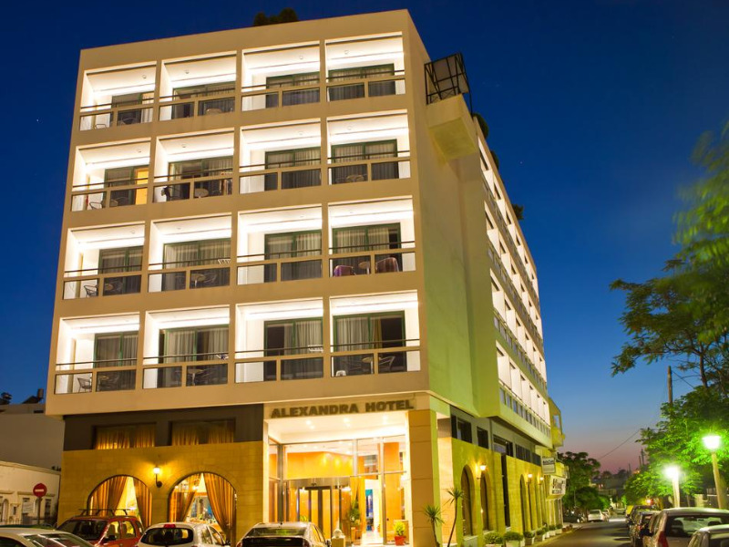 1alexandra-hotel