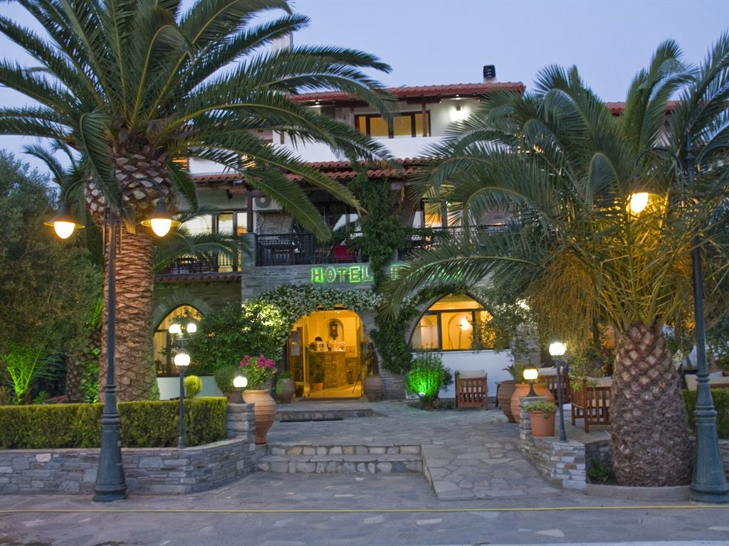 pyrgos-hotel