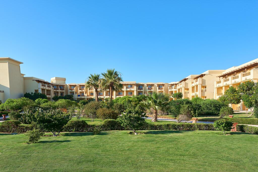 sheraton-soma-bay-resort-hotel