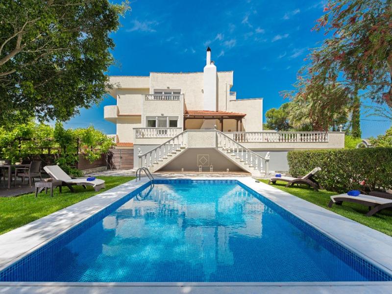 villa-small-paradise
